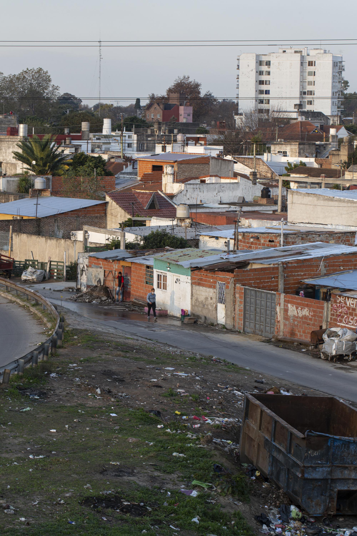 COVID-19 en Argentina: Impacto socioeconómico y ambiental